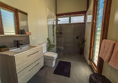 Bathroom -Woodwark-Bay-Retreat-Eco-Accommodation-Whitsundays