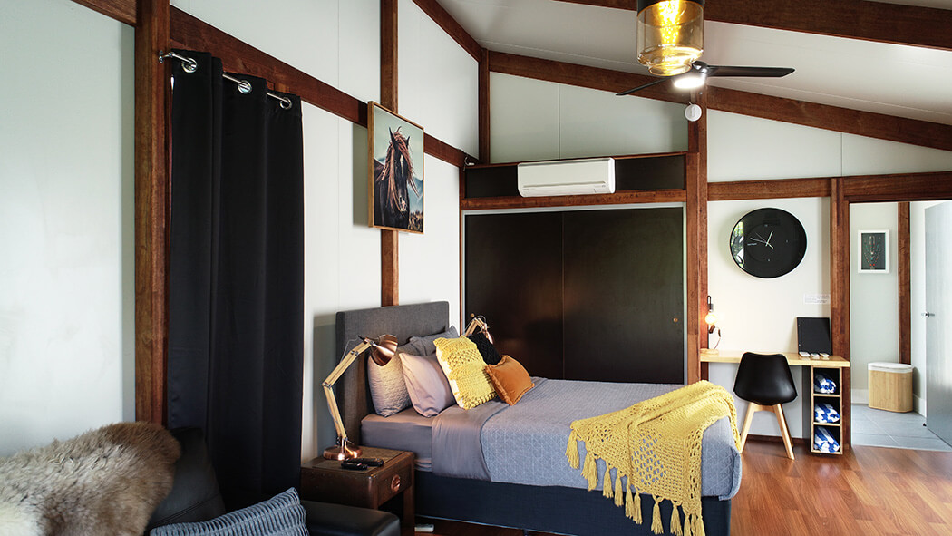 Sunbird-Modern-Bedroom-Whitsunday-Accommodation